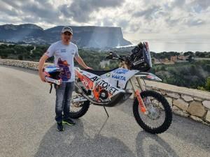 Emanuel Gyenes nr. 29 Dakar 2021 inainte de imbarcarea motocicletei pentru transportul din Marsilia in Jeddah