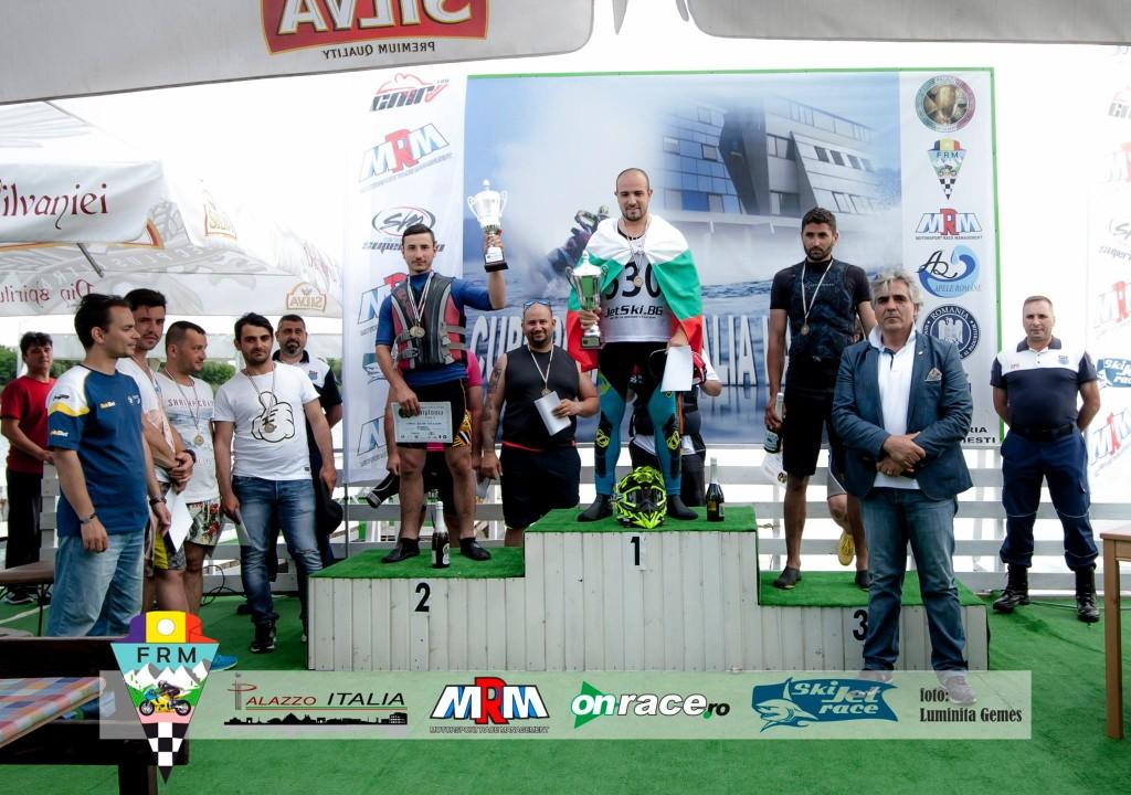 podium runaboat